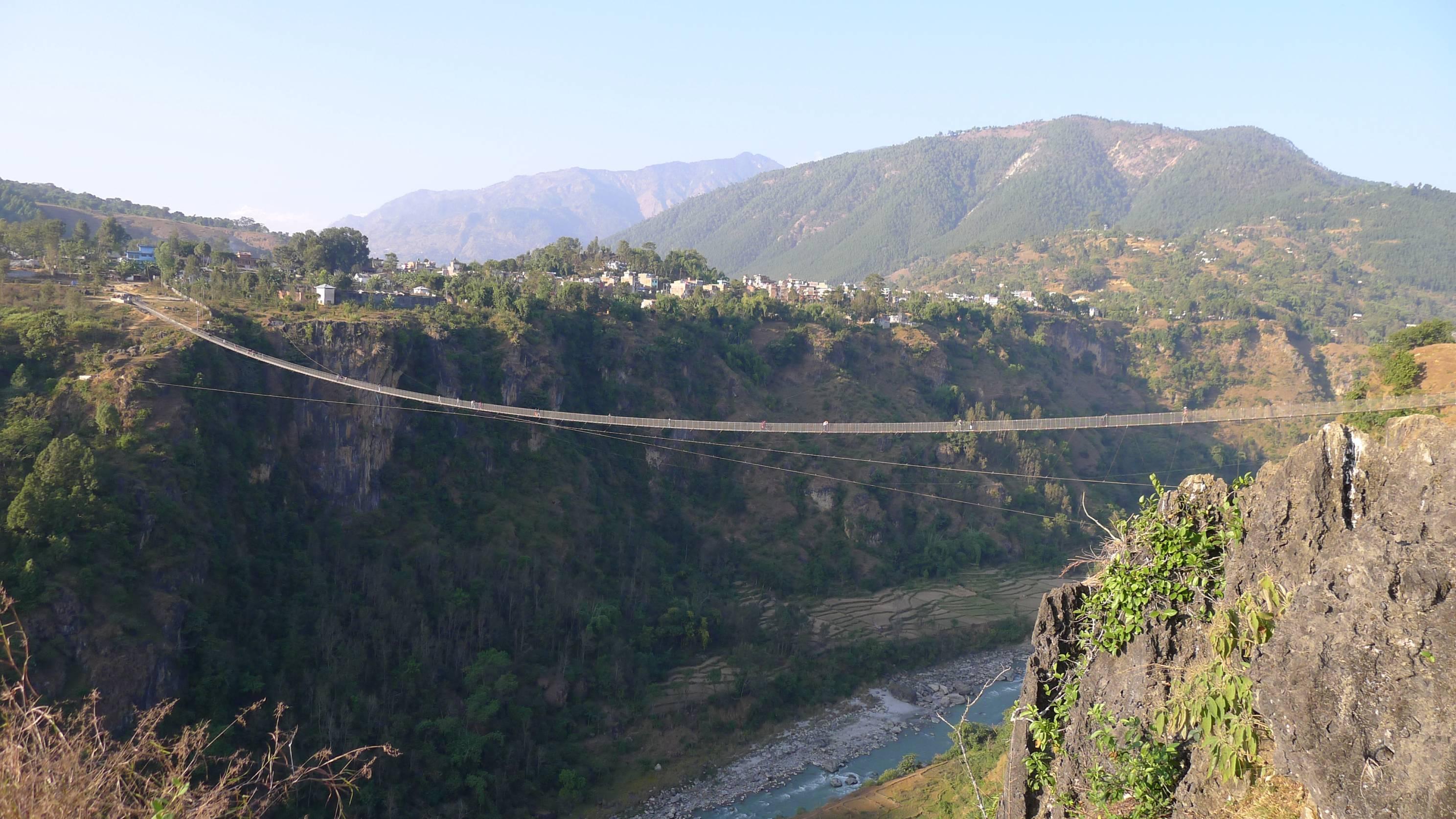 Kushma-Gyadi-Trail-Bridge,-Parbat,-The-Bridge-with-Highest-Free-Board
